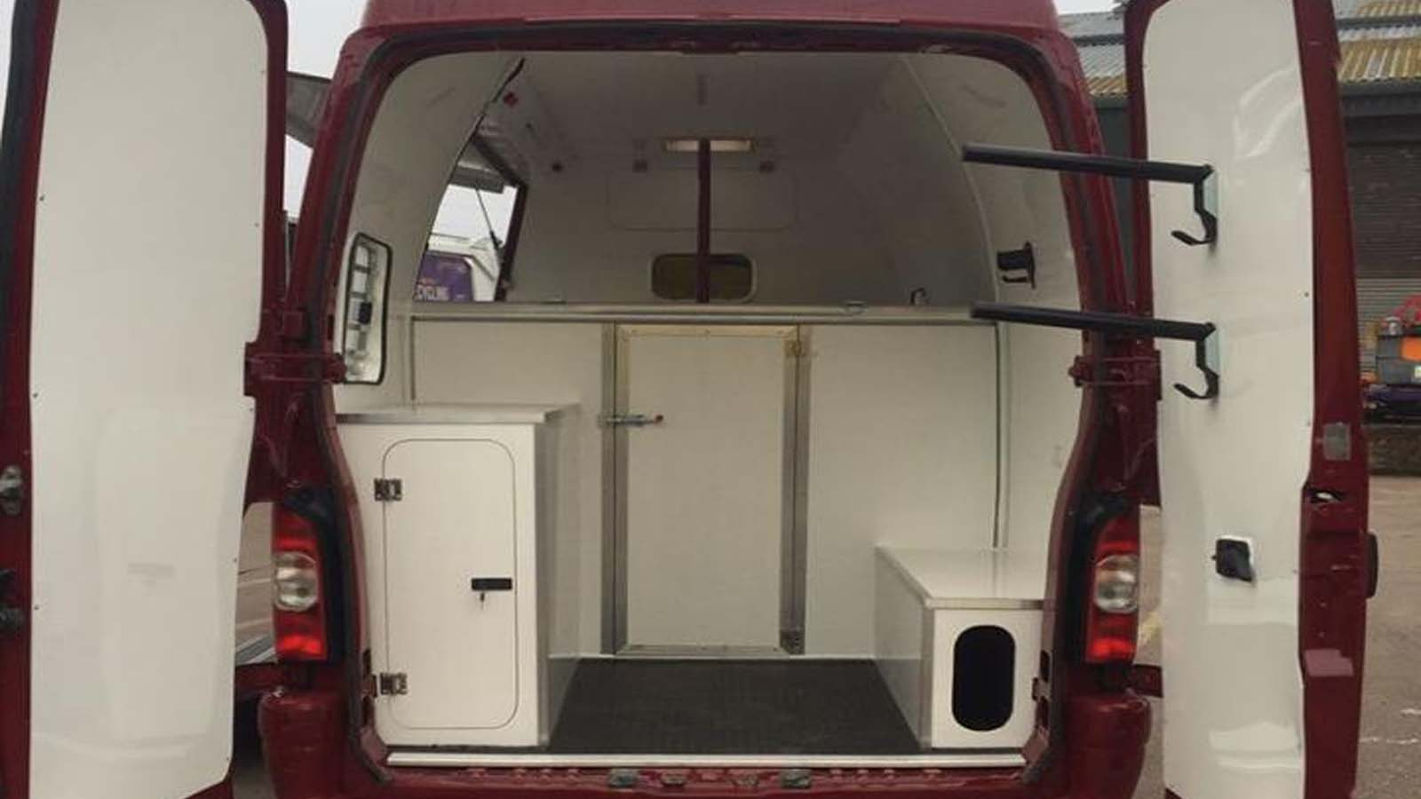 Horse Van - Ruby Rose Horseboxes