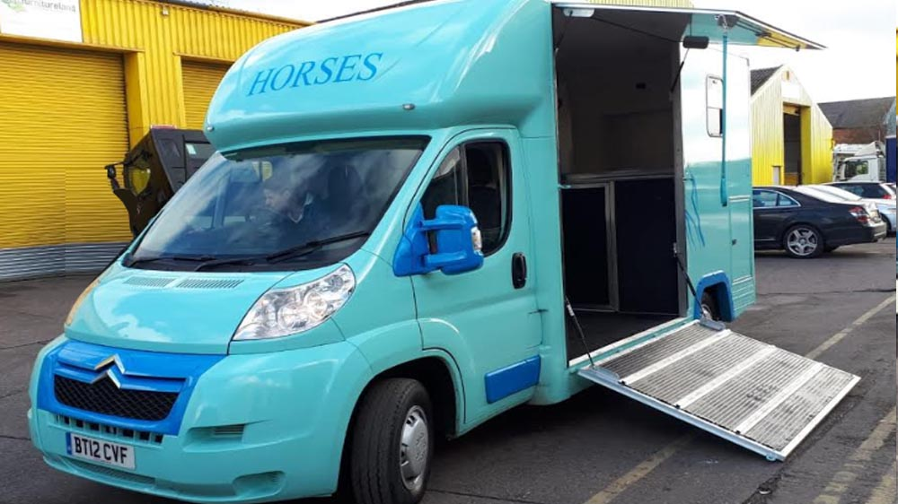 3.5t horsebox manufacturers